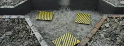 中建某局深基坑大面积垮塌,裂缝三四十米!工地大门都歪掉了!